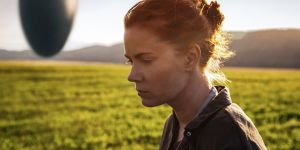amy-adams-in-arrival